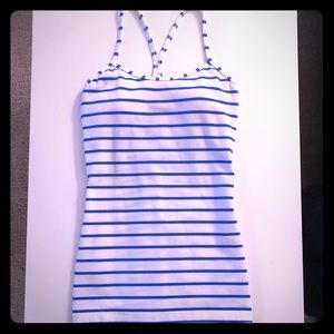 Lululemon power Y tank with built in bra size 6